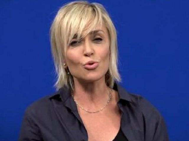 Paola Barale, intervista a Chi dopo gli scatti rubati: la showgirl spiega