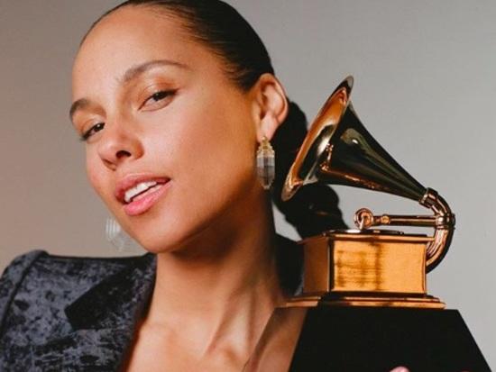 Alicia Keys presenterà i Grammy Awards 2019