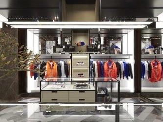 Moncler cambia indirizzo a Copenaghen e presenta un nuovo store concept