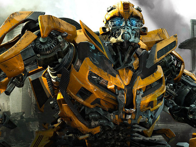 Transformers: in arrivo una love story tra robottoni?
