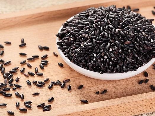 Ricetta riso venere con frutti di mare