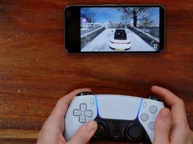 PlayStation 5 e il paradosso del DualSense, non funzionante su PS4 ma perfettamente compatibile con Project xCloud