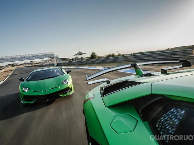 Lamborghini Aventador - Tra i cordoli dell'Estoril con la SVJ
