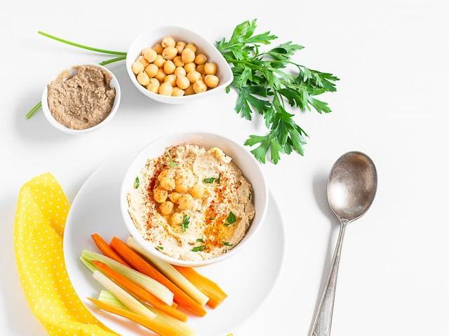 Hummus di ceci, una ricetta semplice e light