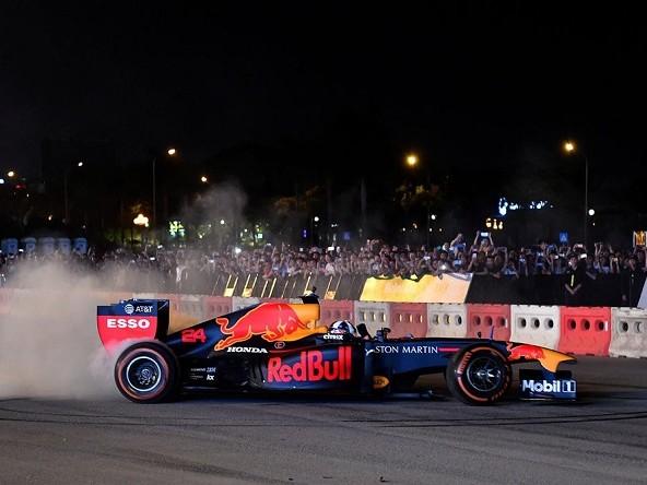 In 50.000 per lo show Red Bull in Vietnam