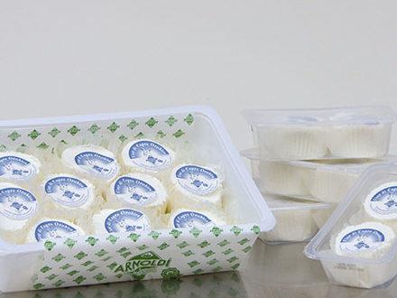 Ancora sostanze inibenti nel latte: richiamato il formaggio Fior di Capra Arnoldi Valtaleggio