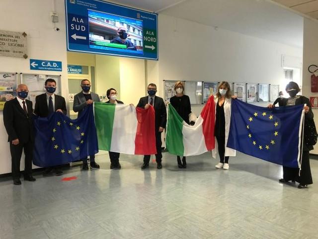 Ospedale di Terni, consegnata bandiera al merito della Repubblica Italiana
