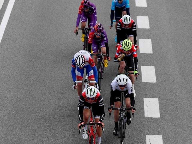 Vuelta Burgos, 3 ciclisti entrati in contatto con positivo al Covid esclusi dalla 2^ tappa