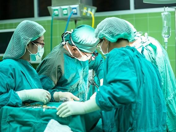 Intervento record a Milano: operati in utero due feti affetti da spina bifida