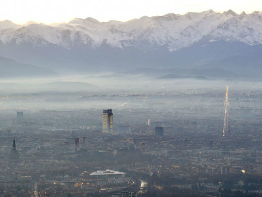 I blocchi delle auto di oggi a Torino e Roma