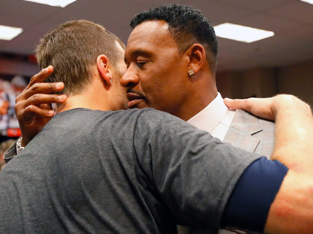 Willie McGinest Throws Cold Water On Tom Brady-To-Chargers Speculation