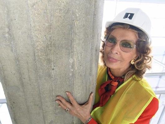 È stato dedicato un pilone a Sophia Loren