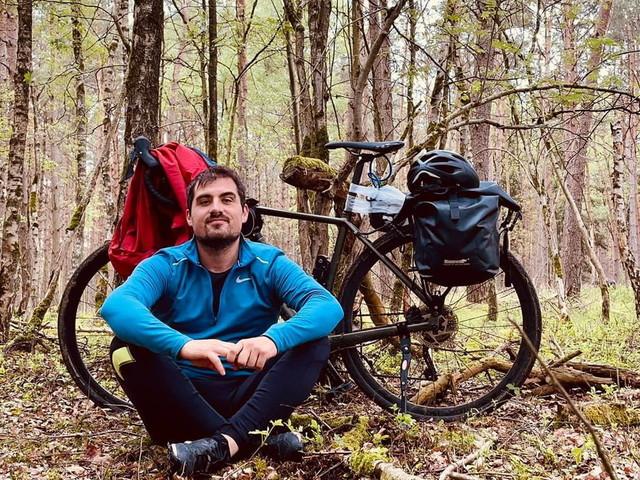 In bici dalla Sardegna a Capo Nord: il viaggio di un 31enne per raccontare l'Europa divisa dalle frontiere e dalle regole anti Covid