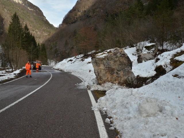 Caduta massi e smottamenti, strada chiusa tra Storo e Tiarno