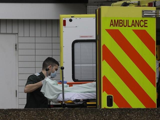 California, non ricoverato perché senza assicurazione medica: 17enne muore
