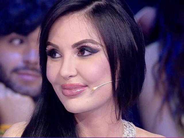 """""""Il Ken Umano che è morto era il mio fidanzato"""" – il racconto di Jennifer Pamplona, la sosia di Kim Kardashian"""