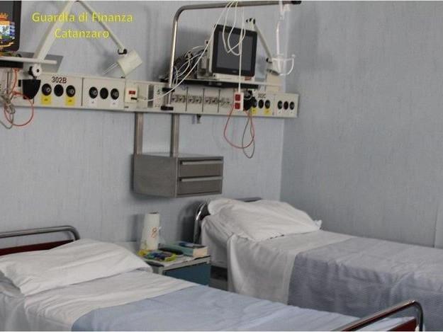 Covid: casi al minimo da ottobre, 3,5 milioni di guariti