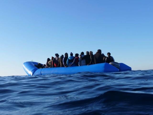 Migranti, al vertice di Malta l'Italia alza la voce con l'Ue sugli sbarchi. E la Ocean Vikung arriva a Messina