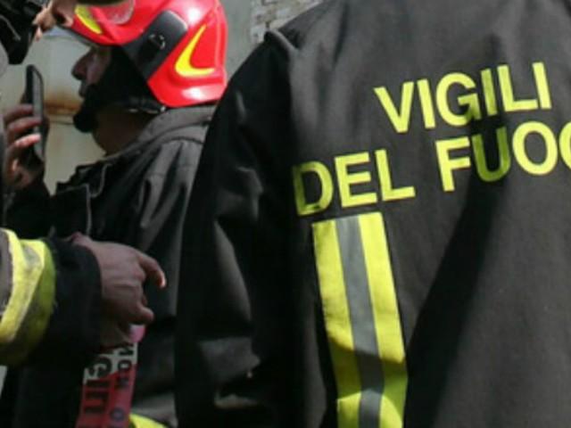 Lecce, villetta familiare esplode a Santa Maria al Bagno. Feriti gravi uomo e bimbo di 5 anni