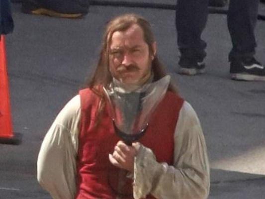 Peter Pan & Wendy: Jude Law è Capitan Uncino nelle prime foto dal set