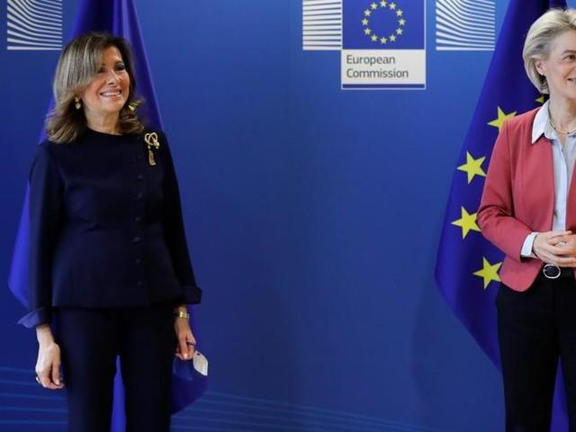 """Von der Leyen incontra Casellati: """"Il Parlamento italiano è cruciale per il successo del Recovery"""""""
