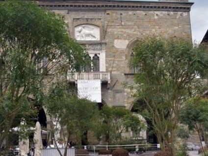 Piazza Vecchia si trasforma - Foto Si lavora per «I Maestri del paesaggio»