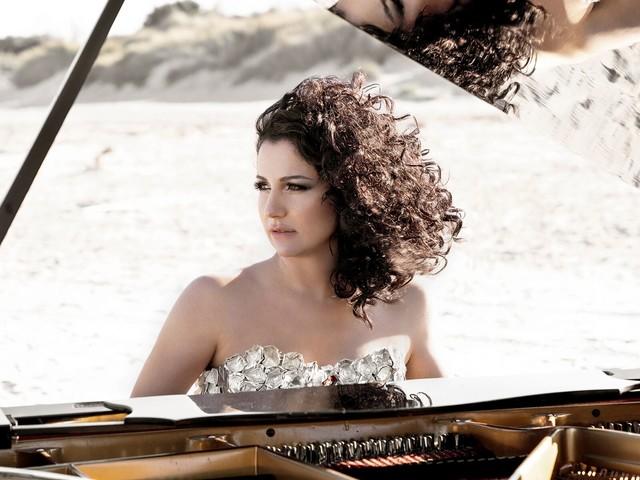 Isabella Turso, nuovo singolo le «Sliding Doors» della vita in un brano per pianoforte