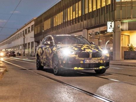 La BMW X2 alla Milano Fashion Week