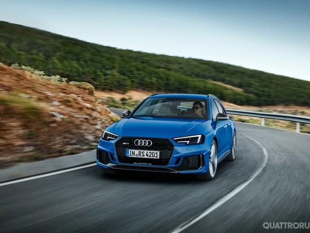Audi RS4 Avant - Prezzi e dotazioni per l'Italia