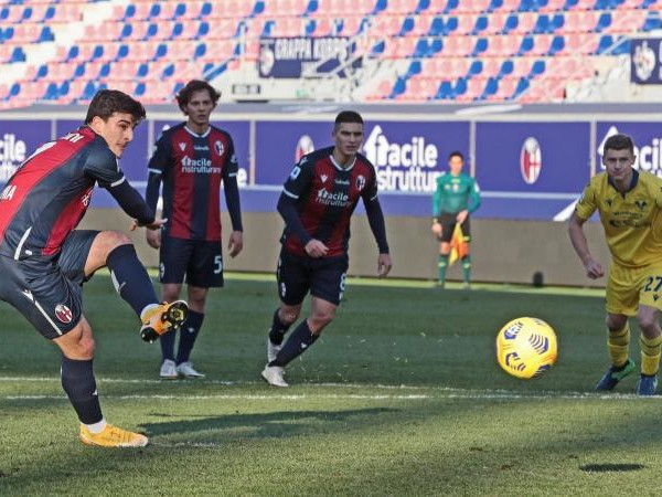 Il Bologna torna a vincere: battuto il Verona con un rigore di Orsolini