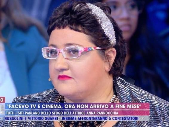 """Anna Pannocchia vive producendo bigiotteria, Signoretti a Live: """"Non va illusa, le serve un lavoro"""""""