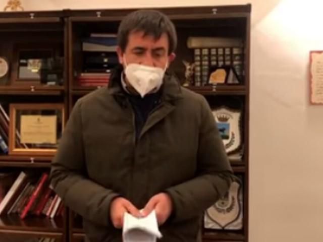 """Il covid """"fuori controllo"""" a Gravina, il sindaco: """"Chiudiamo le scuole fino al 3 dicembre"""""""