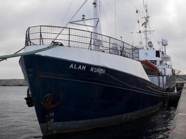 ALAN KURDI CAMBIA ROTTA A VA A MALTA/ Migranti, Salvini vince 'sfida' con Sea Eye