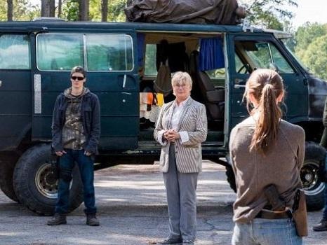 The Walking Dead 10 ci sarà e partirà dai messaggi radio, i Sussurratori e il Commonwealth