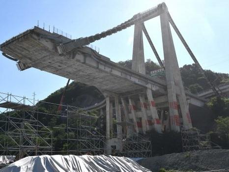 Un anno di Ponte Morandi, dal crollo sino alla demolizione - Foto