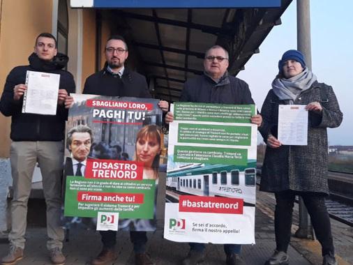 Piloni, Pd locale e Fazzi (Listone) guidano la raccolta firme contro Trenord in stazione a Casalmaggiore
