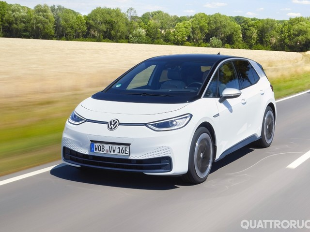 Volkswagen ID.3 - Al volante dell'elettrica di Wolfsburg