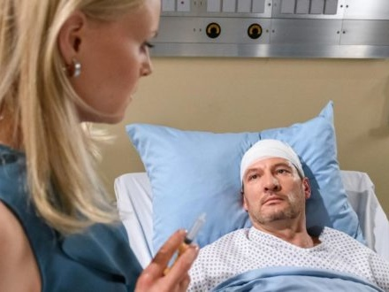 Tempesta d'amore, anticipazioni tedesche: Annabelle manda Christoph in coma con un'iniezione!