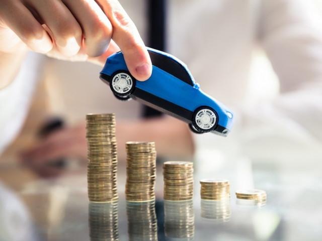 Rc auto, prezzo medio in calo a 405 euro: è il minimo dal 2012