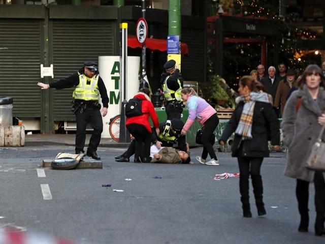 Attacco a Londra, due morti. Il killer era un islamista in libertà vigilata