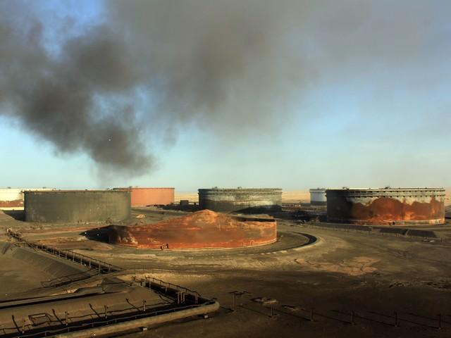 Colpo al petrolio mondiale Usa-Iran, minacce e accuse