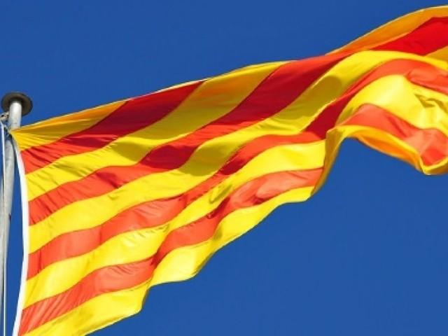 Vince il 'sì', la Spagna si spacca clamorosamente