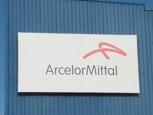 Il guaio della fuga di Arcelor-Mittal da Taranto raccontato dai quotidiani in edicola