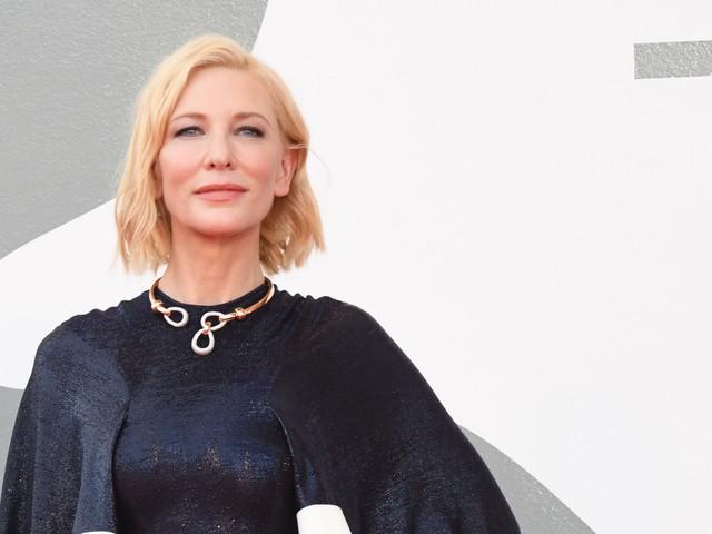"""Blanchett dà il primo premio al """"miracolo"""" in Laguna"""