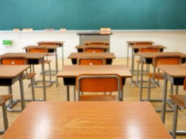Nuovo Dpcm, flessibilità nelle scuole superiori solo se a rischio: nulla cambia per asili, primarie e medie