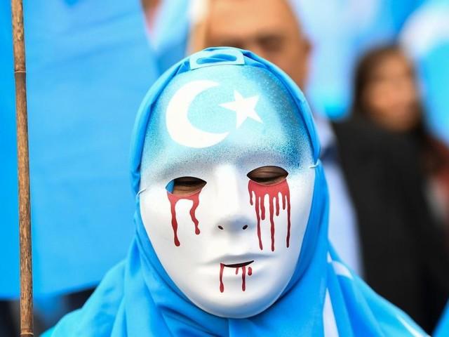 Cina, la minoranza degli Uiguri presa ancora di mira: si pensa a un piano per disperderli