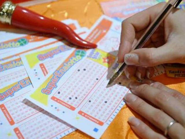 Diretta Lotto e SuperEnalotto, estrazioni oggi sabato 16 gennaio 2021: numeri vincenti estrazione Lotto, SuperEnalotto