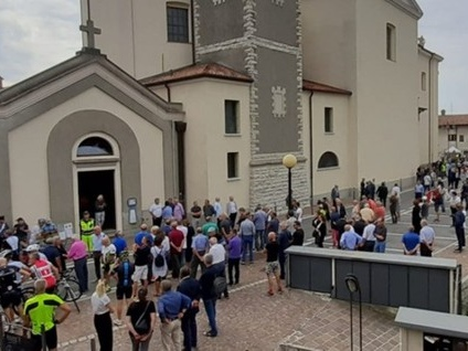 L'ultimo saluto a Felice Gimondi I funerali a Paladina - Segui la diretta Rai