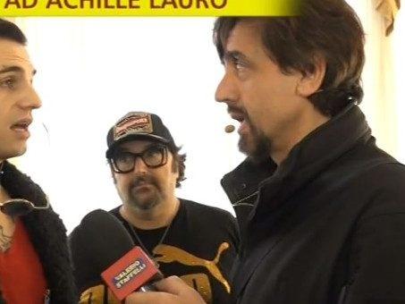 """Achille Lauro contro Valerio Staffelli a Sanremo: """"Ti meriti il Tapiro, sei il tonno più grande d'Italia"""""""