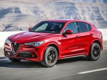 Alfa Romeo Stelvio Quadrifoglio, la SUV dell'anno